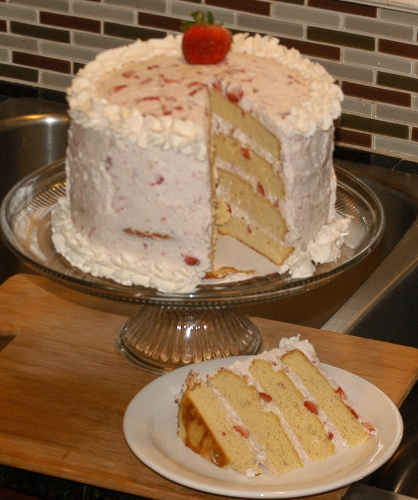 Heavenly Strawberry Cake (Grain-Free and Low-Carb)