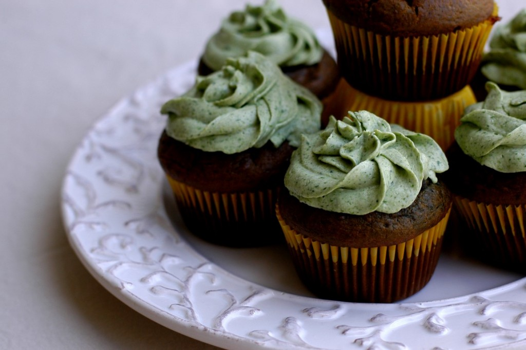 St. Patrick's Day Cupcakes with Naturally Green Cream Cheese Frosting